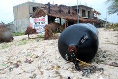 Conséquence dans Mahahual après ouragan Ernesto Photographie stock libre de droits