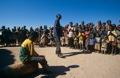 Consapevolezza della mina terrestre nell'accampamento, guerra-ravenged Angola Fotografia Stock Libera da Diritti