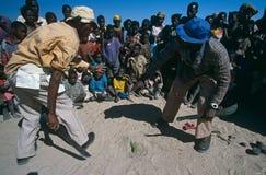 Consapevolezza della mina terrestre in un accampamento in Angola. Immagine Stock Libera da Diritti