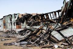 Consecuencias de un fuego en la casa imagenes de archivo