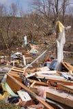 Consecuencias del tornado en Lapeer, MI. Imagen de archivo