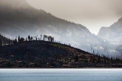 Consecuencias Jackson Lake Grand Teton del incendio fuera de control foto de archivo
