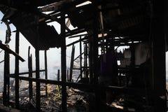 Consecuencias residenciales de los fuegos Fotos de archivo