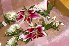 Consegna dei fiori di nozze Fotografie Stock