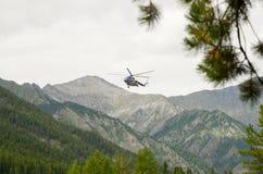 Consegna dei passeggeri alle montagne Sayan Fotografia Stock