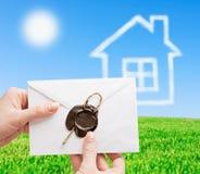 Consegna di posta alla casa Fotografie Stock Libere da Diritti