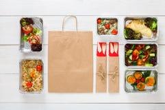 Consegna sana dell'alimento, pasti quotidiani vista superiore, spazio della copia Immagini Stock
