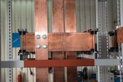 Conseil électrique de puissance élevée avec les barres de cuivre Photo stock