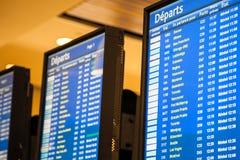 Conseil électronique de l'information d'aéroport Photo libre de droits