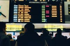 Conseil d'arrivées d'aéroport Image stock