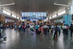 Conseil de départ dans l'aéroport international de kilolitre Départ Hall Mala Image libre de droits