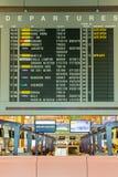 Conseil de départ dans l'aéroport Singapour de Changi Images libres de droits