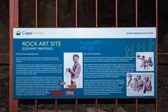 Conseil de l'information à la caverne d'art de roche de San aux cavernes de Stadsaal photographie stock
