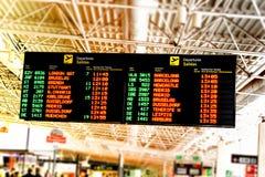 Conseil de l'information de fligt d'aéroport Photographie stock libre de droits