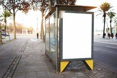 Conseil de publicité électronique vide avec l'espace vide de copie Photos libres de droits