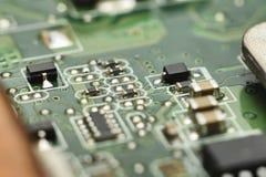 Conseil principal de l'électronique micro avec des processeurs, diodes, transistors Photo stock