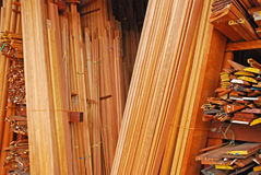 Conseils de bordage, bâtis d'architrave et cadres en bois Image stock