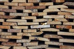 Conseils en bois sur l'un l'autre Photographie stock libre de droits