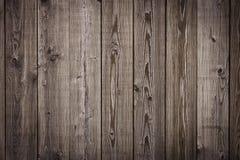 Conseils, mur ou barrière brun en bois naturel avec des noeuds Fond abstrait de texture, calibre vide Photo libre de droits