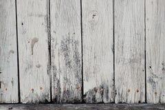 Conseils superficiels par les agents avec la peinture blanche rustique photographie stock libre de droits