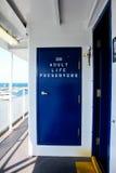 Conservateurs de vie sur un ferry-boat Photographie stock