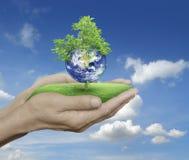 Conservi il concetto della terra, elementi di questa immagine ammobiliati dalla NASA immagini stock libere da diritti