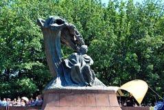 Considérants au pied du monument à Chopin Photos libres de droits