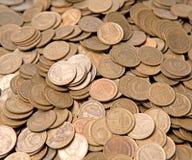 Considerable cantidad de copeckes de cobre Foto de archivo