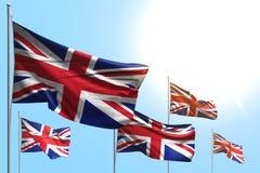 Consideravelmente 5 bandeiras de Reino Unido Reino Unido estão acenando no fundo do céu azul - toda a ilustração da bandeira  ilustração stock