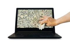 Consiga el dinero del negocio en línea que lleva a cabo el dólar de EE. UU. disponible imágenes de archivo libres de regalías