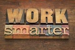 Consiglio più astuto del lavoro nel tipo di legno Immagini Stock