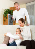 Consolação da mãe à filha de grito Foto de Stock Royalty Free