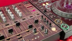 Consola audio de la producción en estudio de la sonido-grabación almacen de metraje de vídeo