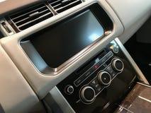 Consola central del vehículo de lujo Imagenes de archivo