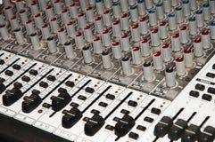 Consola de mezcla del estudio de grabación fotografía de archivo