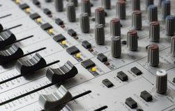 Consola de mezcla del estudio de grabación Imagen de archivo libre de regalías