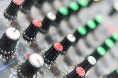 Consola de mezcla DJ imagenes de archivo