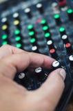 Consola de mezcla DJ imágenes de archivo libres de regalías