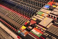 Consola de mezcla en Abbey Road Studios, Londres Imágenes de archivo libres de regalías