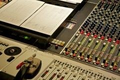 Consola de mezcla en Abbey Road Studios, Londres Foto de archivo