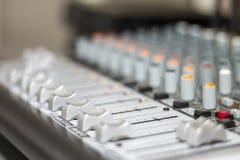 Consola de mezcla Primer de la consola de mezcla sana imagen de archivo