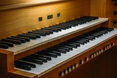 Consola del teclado del órgano imagen de archivo
