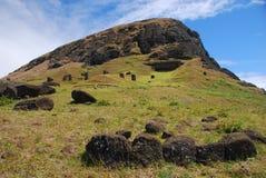 Console de Easter da pedreira de Rano Raraku (Rapa Nui) o Chile Fotografia de Stock Royalty Free