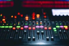 Console de mélangeur de musique photographie stock libre de droits