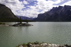 Console de Minnewanka do lago Fotografia de Stock