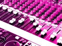 Console de mistura, cor-de-rosa quente Foto de Stock