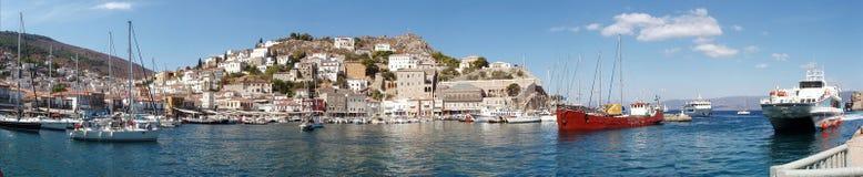 Console do Hydra, Greece - vista da porta e da cidade Fotografia de Stock Royalty Free
