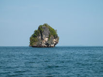 Console fora da costa de Krabi, Tailândia Foto de Stock