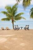 Console tropical com cadeiras vazias Fotos de Stock