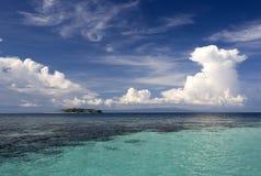 Console tropical e mar aberto fotografia de stock
